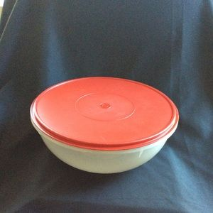 Tupperware extra large XL deep RED lid Bowl EUC